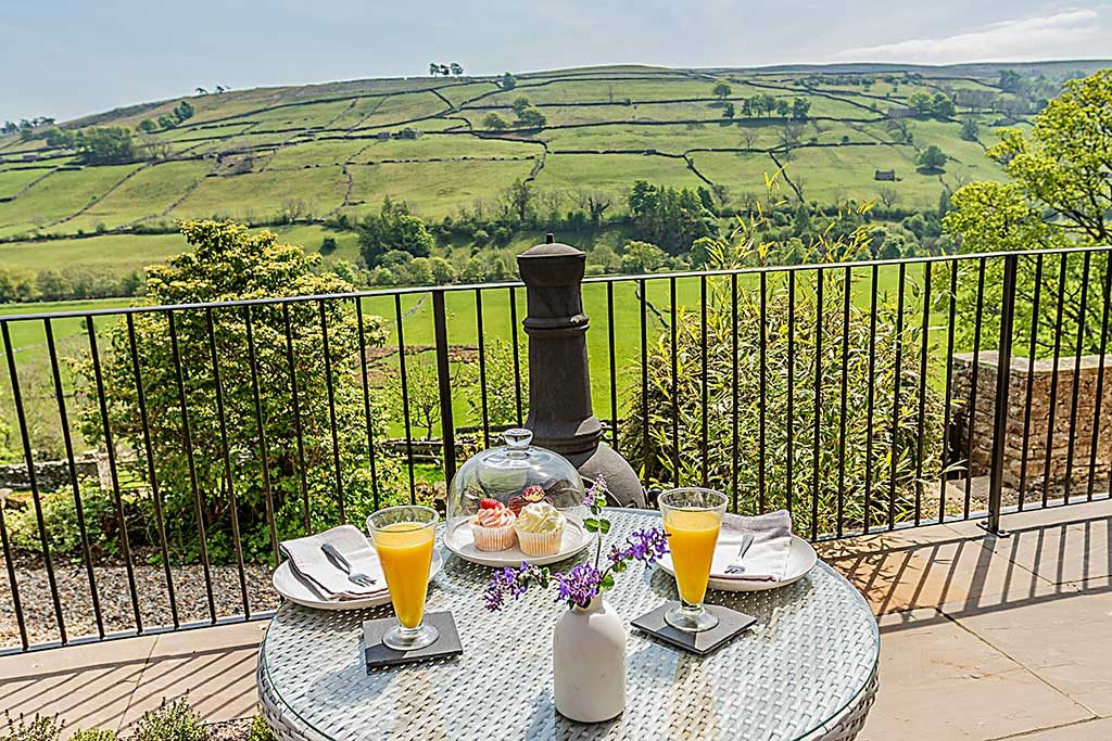 Billy Gills Holiday Cottage Patio Swaledale